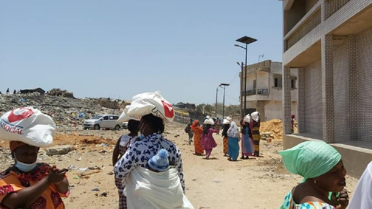 UNISOCIAL Sénégal : Don de 350 kits alimentaires à Mbeubeuss par l'Église Universelle du Royaume de Dieu (en images) 1