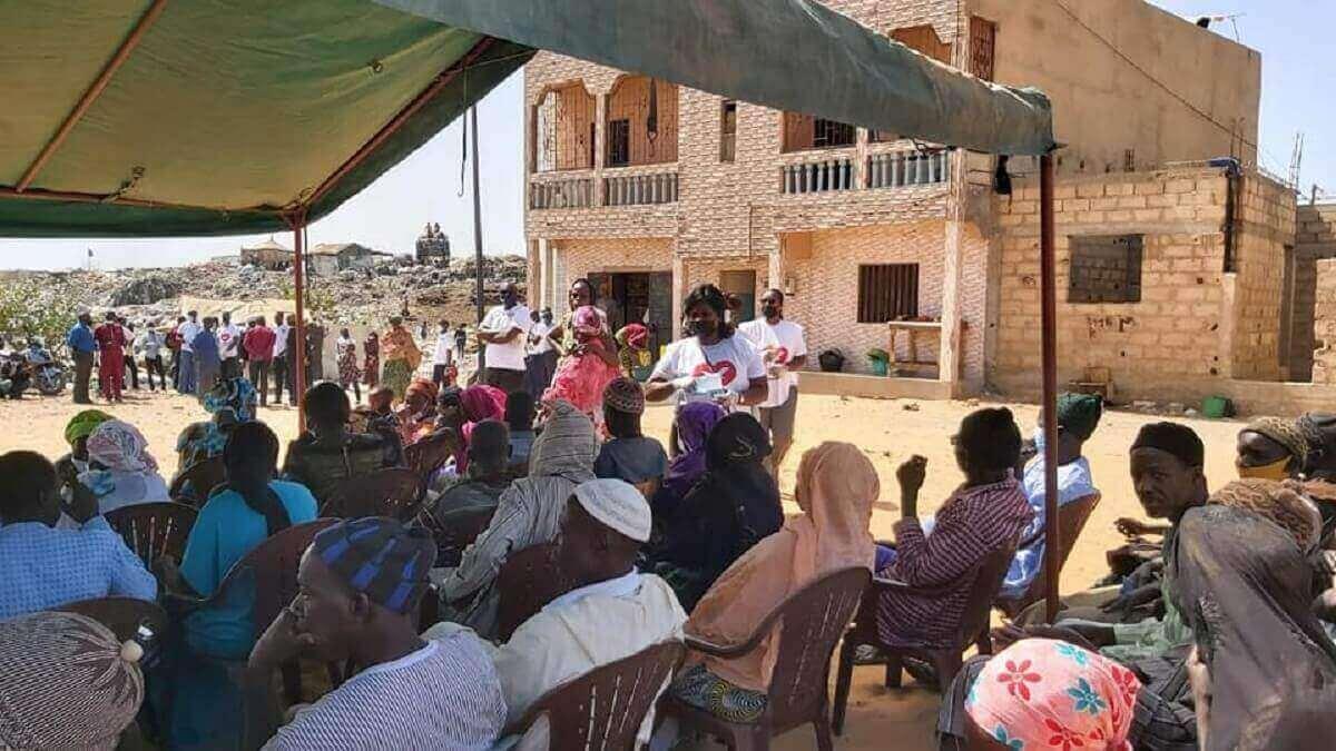 UNISOCIAL Sénégal : Don de 350 kits alimentaires à Mbeubeuss par l'Église Universelle du Royaume de Dieu (en images) 4