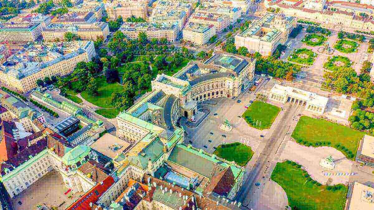 5- Le palais Hofburg, Autriche