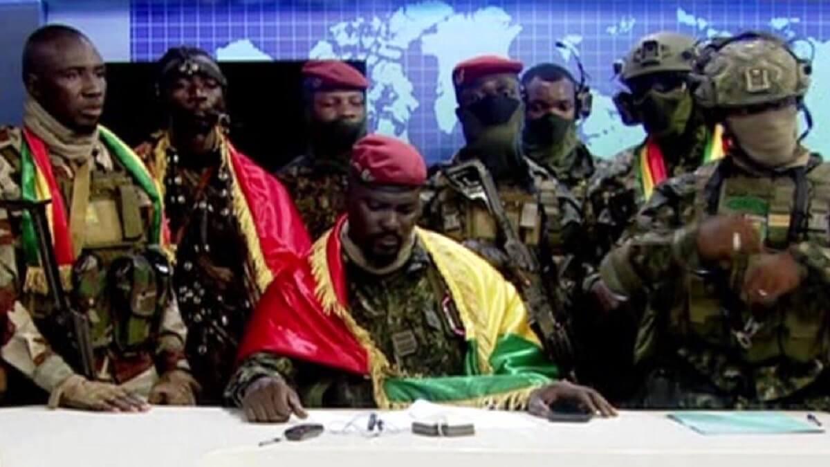 Tentative de coup d'État en Guinée des militaires prétendent s'emparer du pouvoir d'Alpha Condé